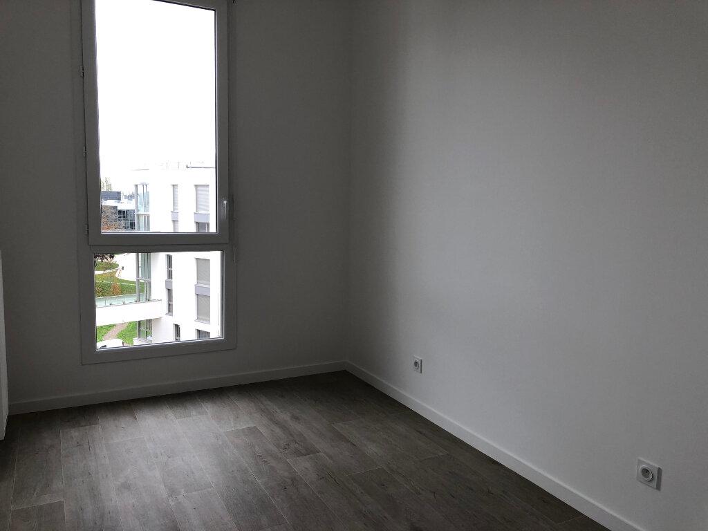 Appartement à louer 3 61.6m2 à Gif-sur-Yvette vignette-5