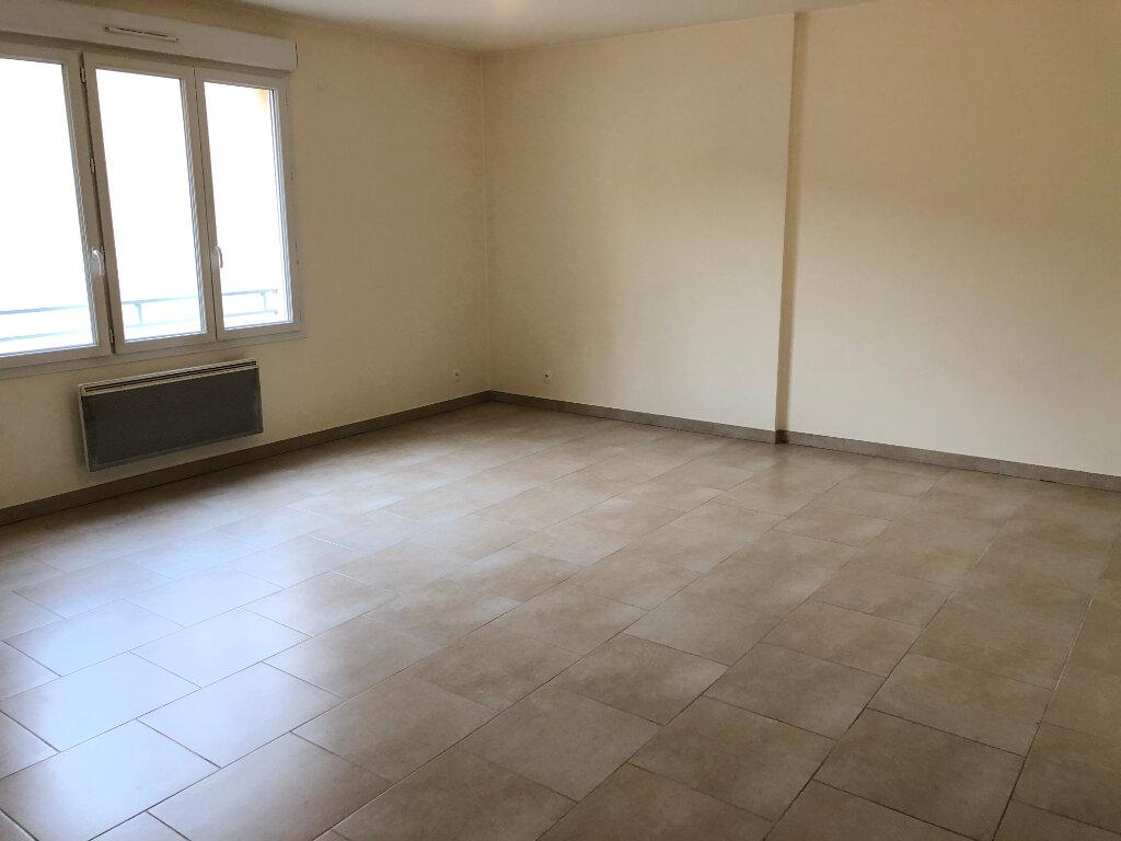 Appartement à louer 1 36m2 à Orsay vignette-4