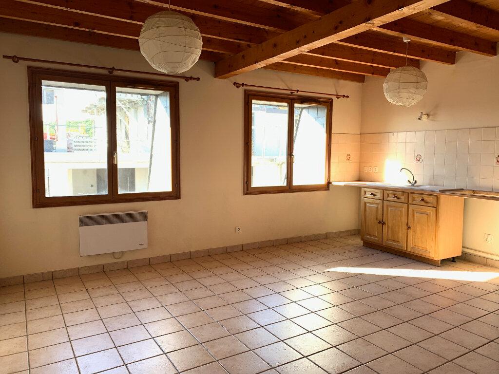 Appartement à louer 2 48.02m2 à Orsay vignette-1