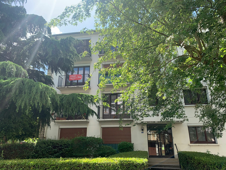 Appartement à louer 3 58m2 à Gif-sur-Yvette vignette-1