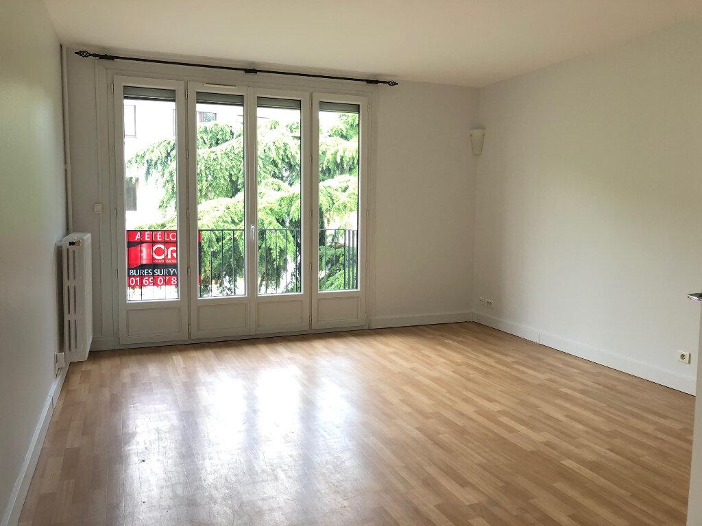 Appartement à louer 3 58m2 à Gif-sur-Yvette vignette-2