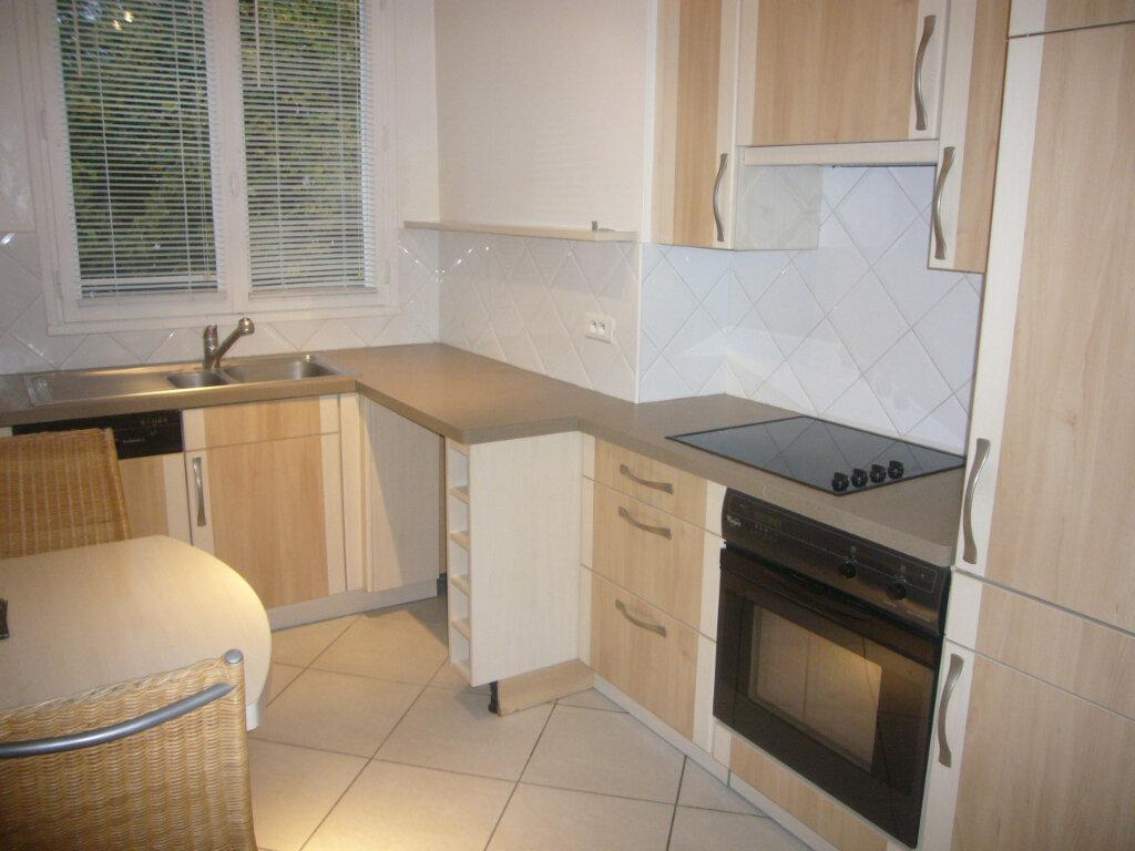 Appartement à louer 3 58m2 à Gif-sur-Yvette vignette-5