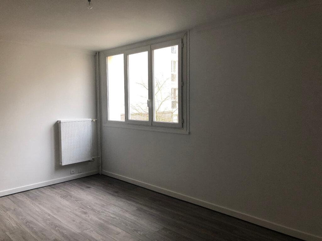 Appartement à louer 3 62.54m2 à Les Ulis vignette-3