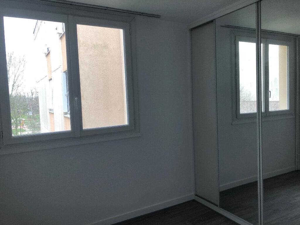Appartement à louer 3 62.54m2 à Les Ulis vignette-7