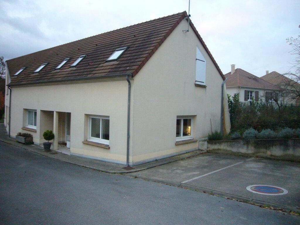 Appartement à louer 3 65.26m2 à Villebon-sur-Yvette vignette-2