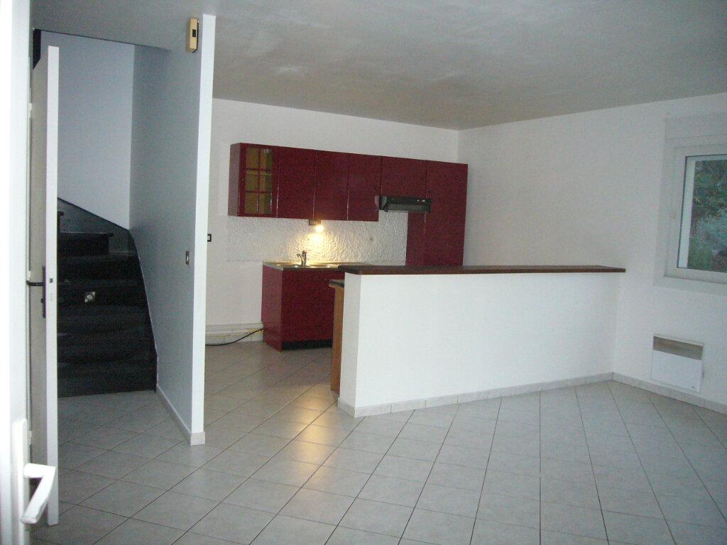 Appartement à louer 3 65.26m2 à Villebon-sur-Yvette vignette-3