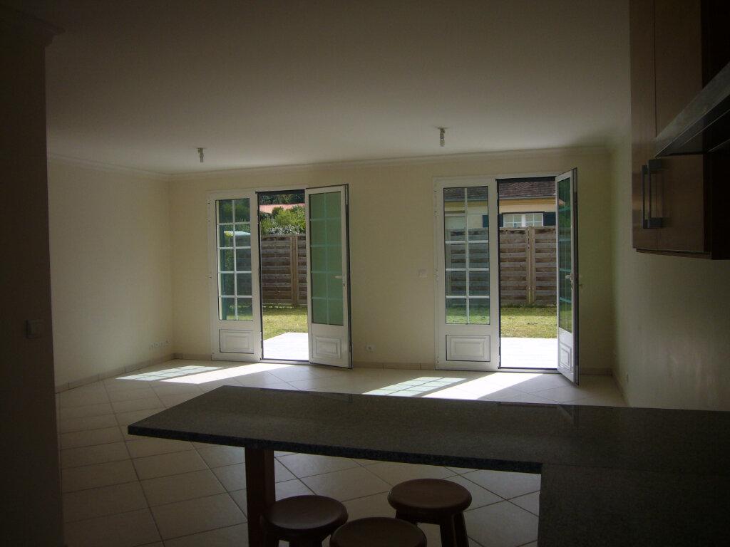 Maison à louer 6 110m2 à Gometz-le-Châtel vignette-4