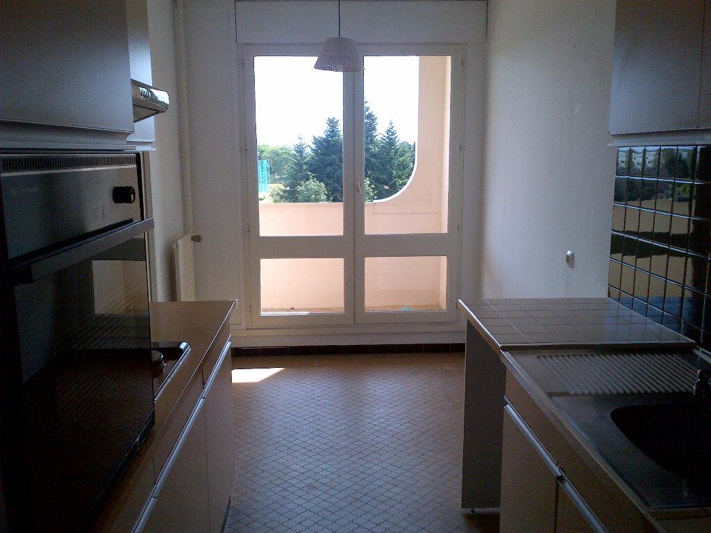 Appartement à louer 2 54.96m2 à Les Ulis vignette-2