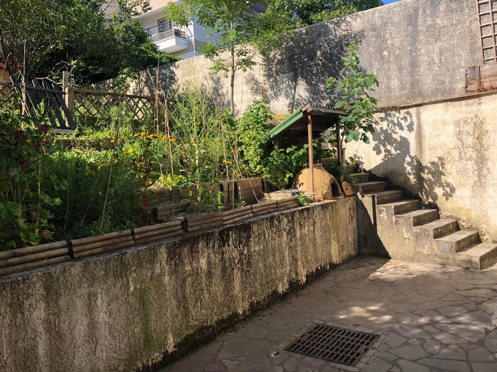 Appartement à louer 2 42.35m2 à Bures-sur-Yvette vignette-6