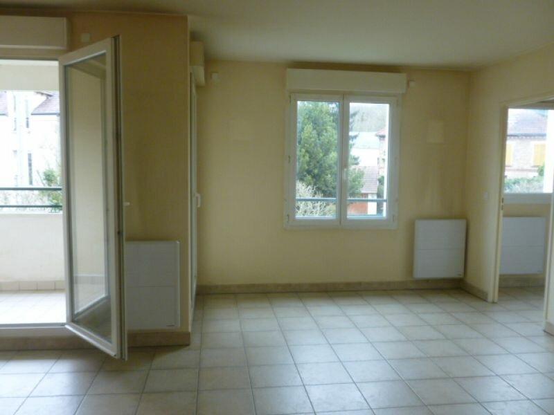 Appartement à louer 2 51.16m2 à Gif-sur-Yvette vignette-2