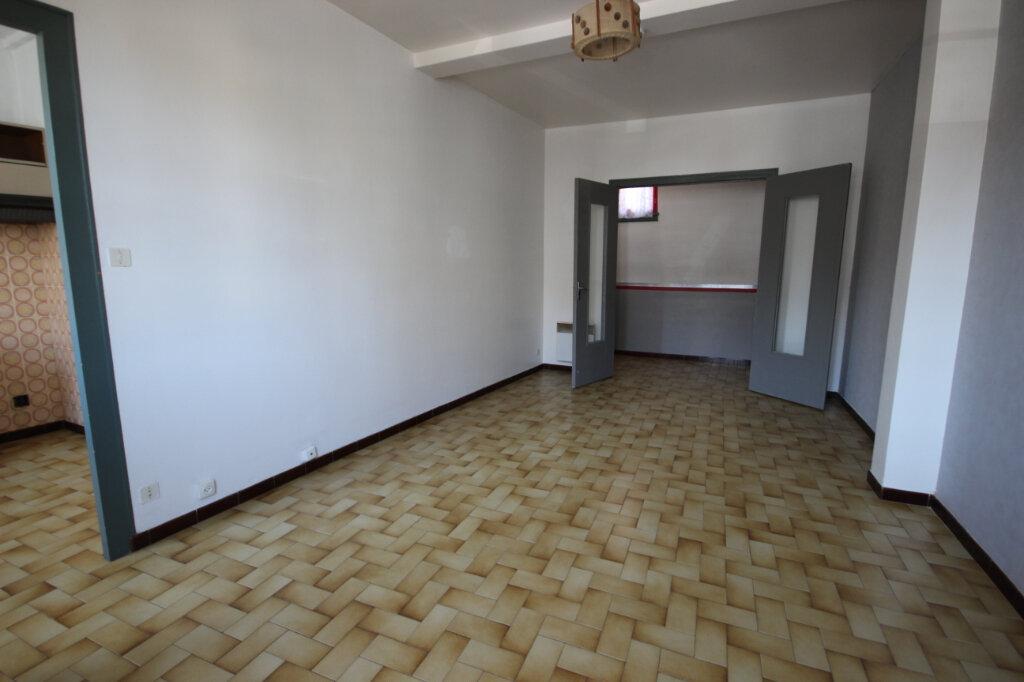 Appartement à louer 2 43m2 à Orthez vignette-2