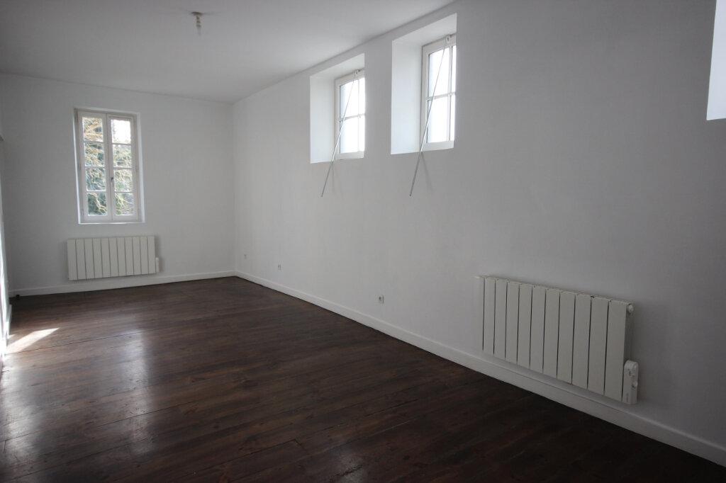 Appartement à louer 3 75m2 à Orthez vignette-1