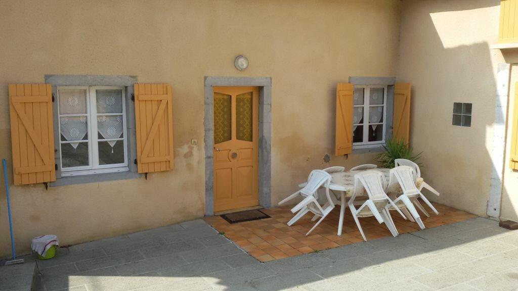 Maison à louer 3 80m2 à Ozenx-Montestrucq vignette-1