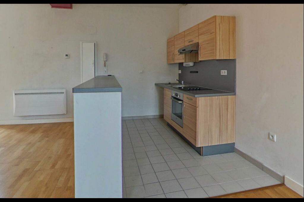 Appartement à louer 3 82m2 à Orthez vignette-2