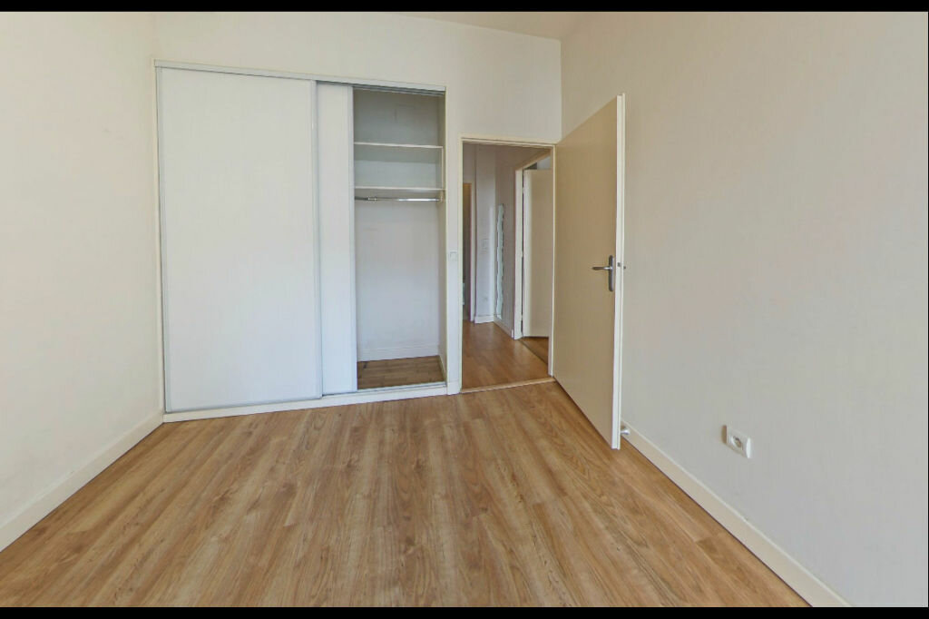 Appartement à louer 3 82m2 à Orthez vignette-3