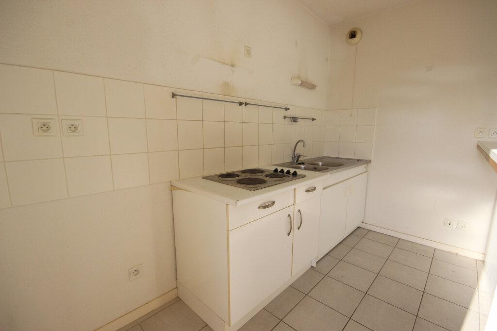 Appartement à louer 3 64m2 à Orthez vignette-4