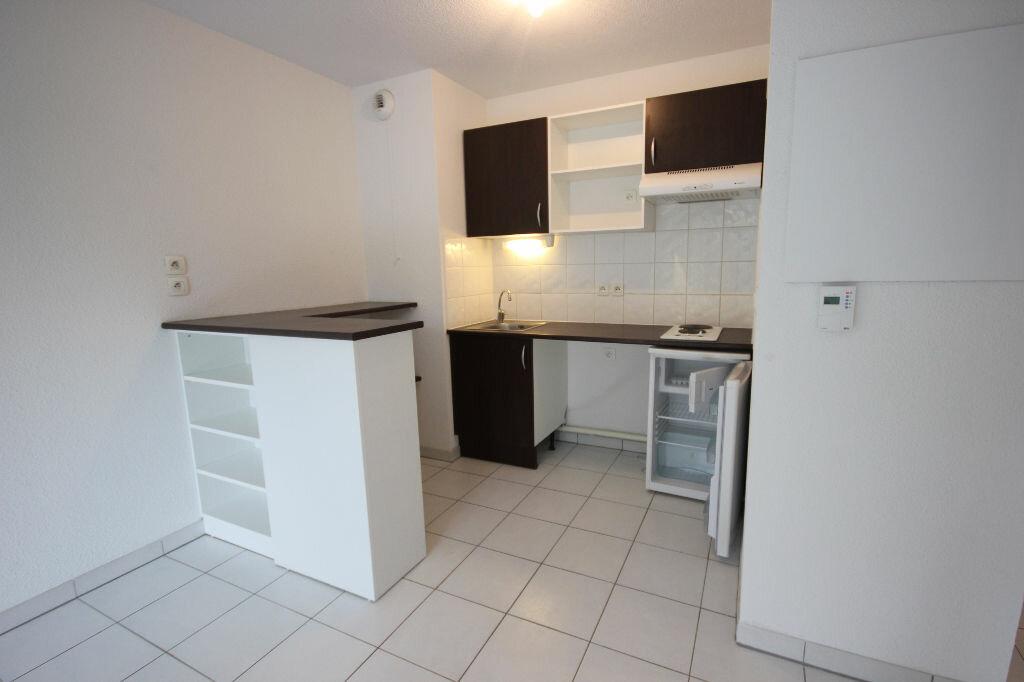Appartement à louer 2 38m2 à Orthez vignette-1