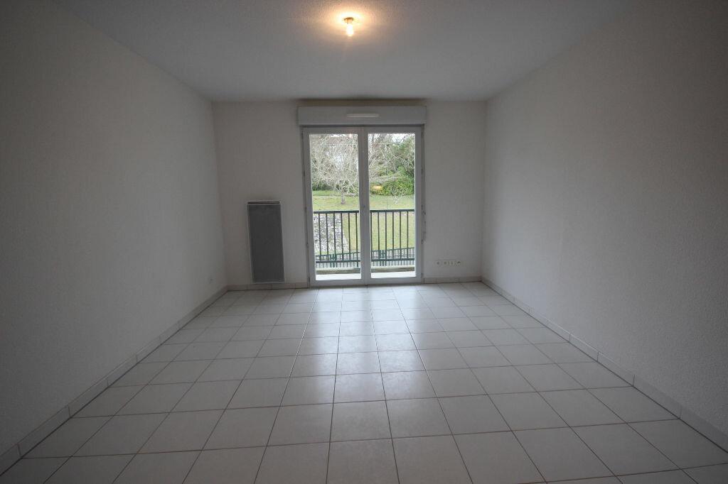 Appartement à louer 2 38m2 à Orthez vignette-3