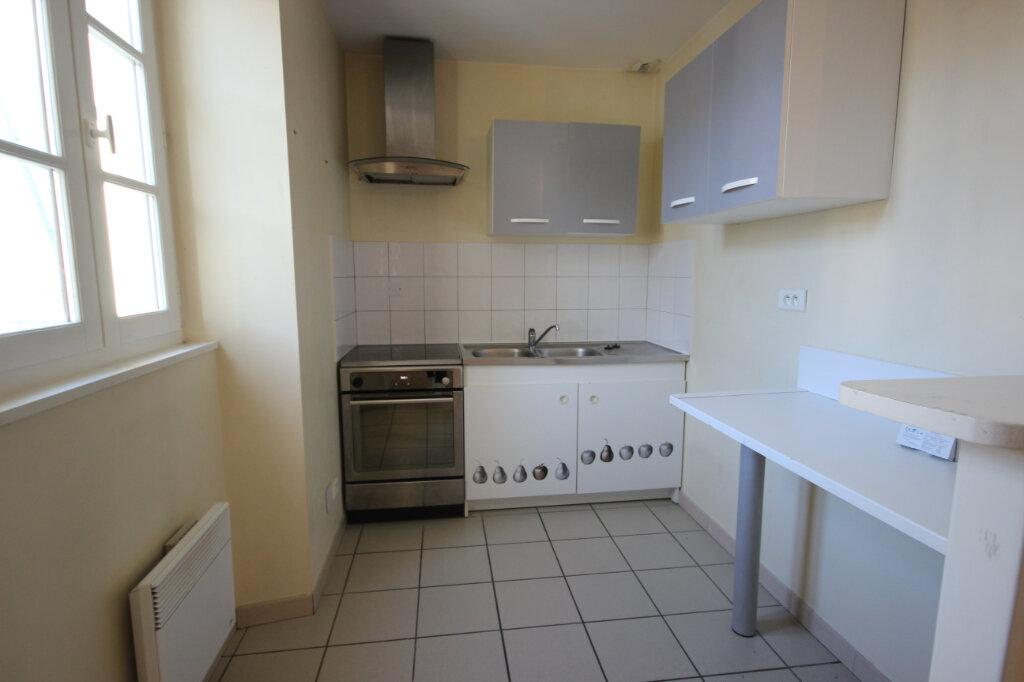 Appartement à louer 3 65m2 à Orthez vignette-2