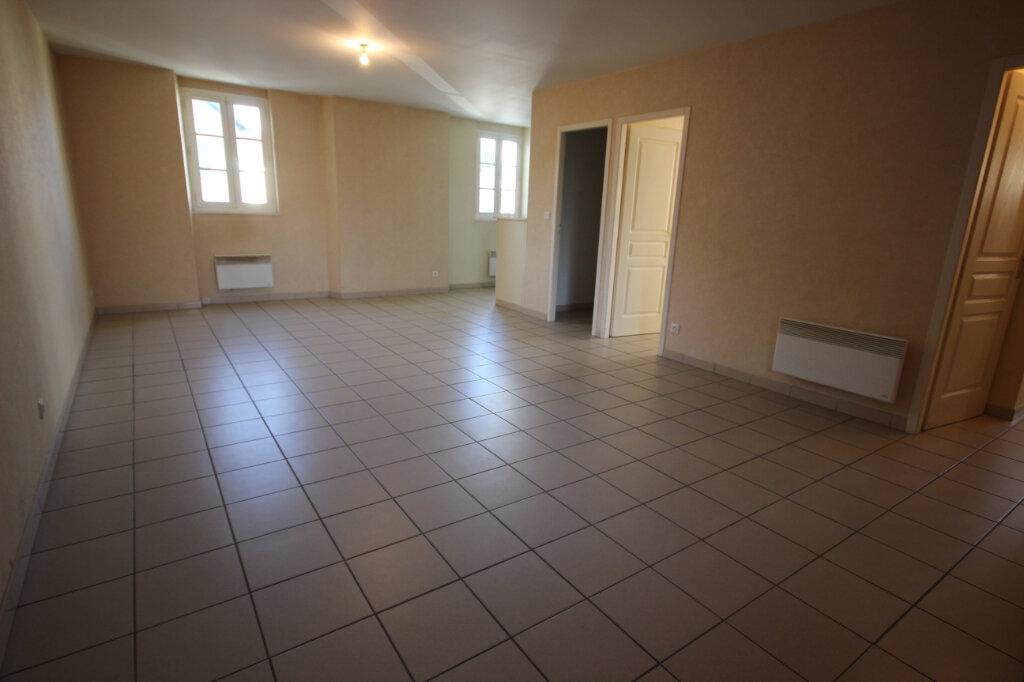 Appartement à louer 3 65m2 à Orthez vignette-3