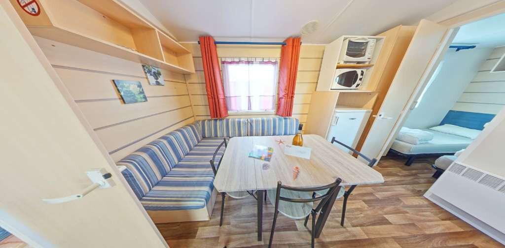 Appartement à louer 3 27m2 à Azur vignette-1