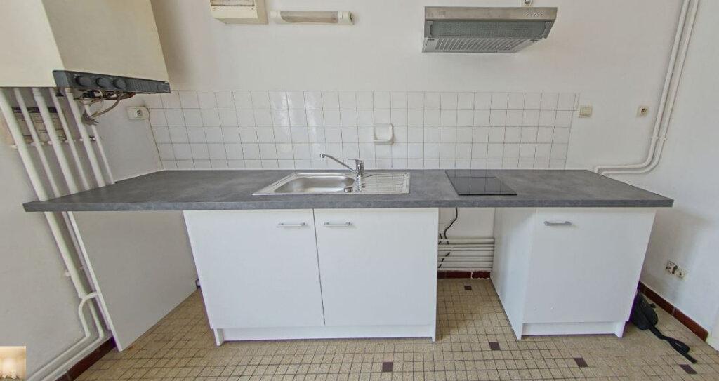 Appartement à louer 1 30m2 à Orthez vignette-1