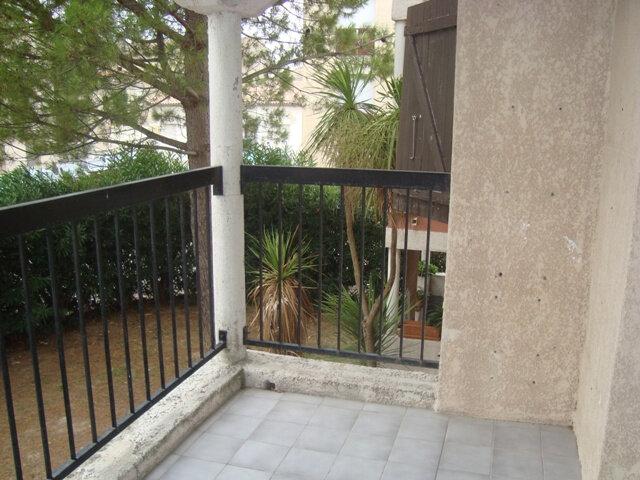 Appartement à louer 2 31.26m2 à Lunel vignette-1