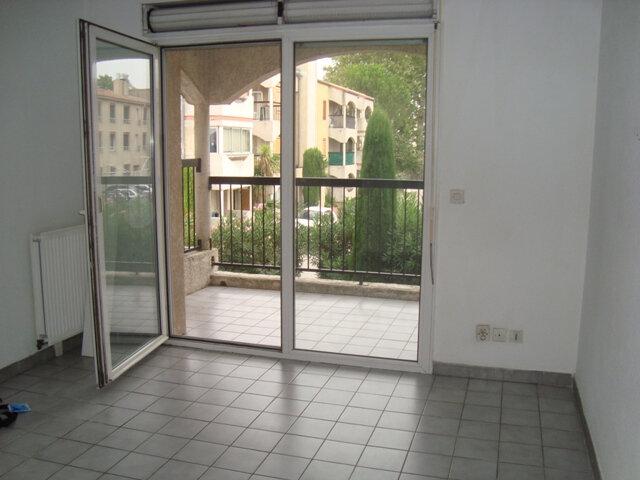 Appartement à louer 2 31.26m2 à Lunel vignette-2