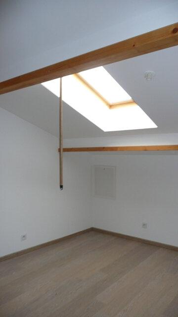 Appartement à louer 4 92.84m2 à Lunel vignette-4