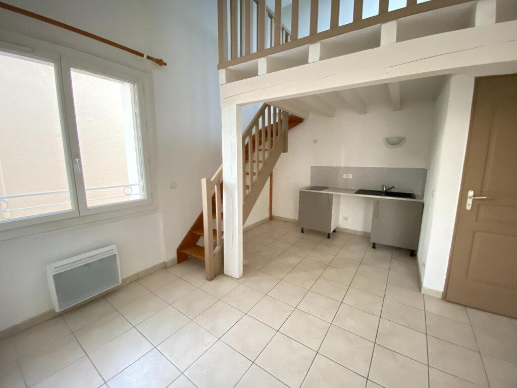 Appartement à louer 2 33.92m2 à Saint-Brès vignette-1