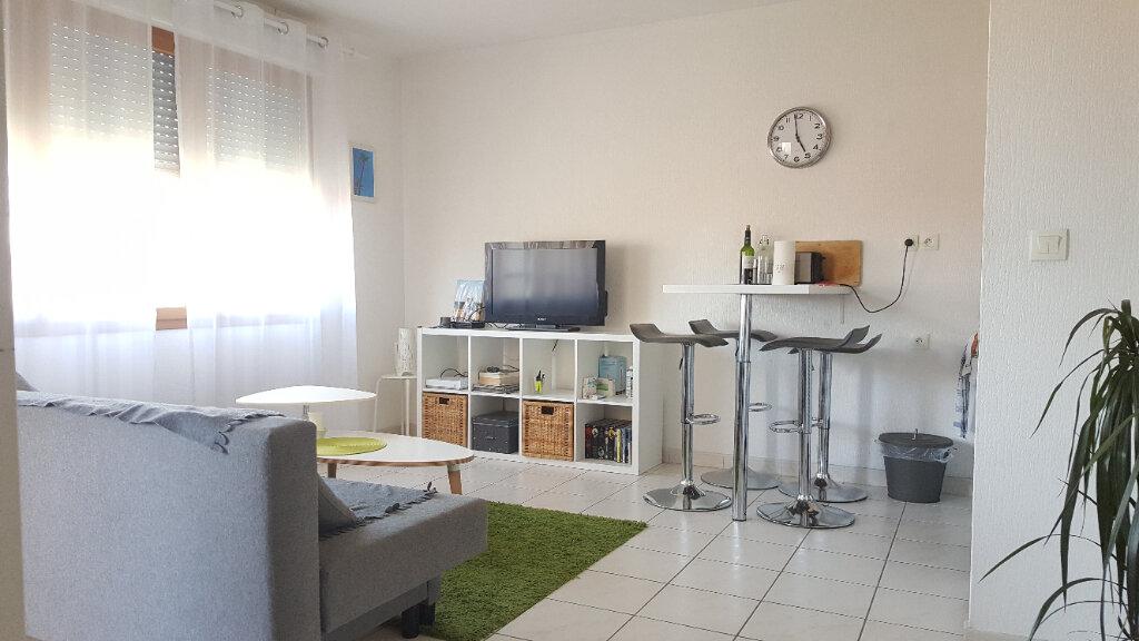 Appartement à louer 2 34.42m2 à Lunel vignette-1