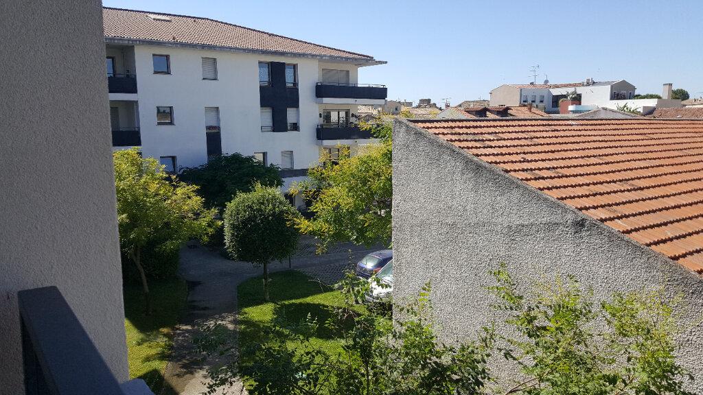 Appartement à louer 2 34.42m2 à Lunel vignette-2