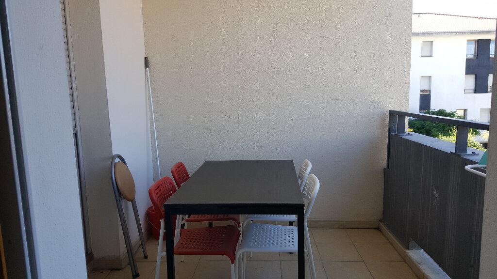 Appartement à louer 2 34.42m2 à Lunel vignette-5