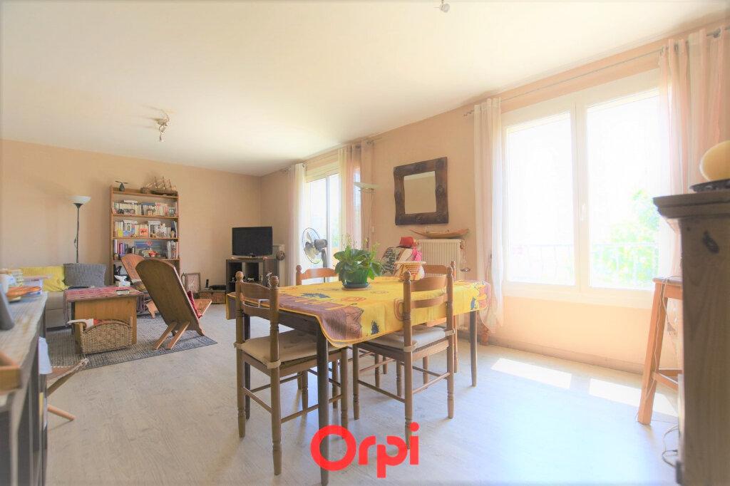 Appartement à vendre 3 76.17m2 à Lunel vignette-1