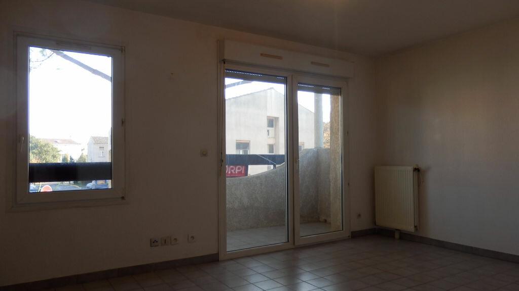 Appartement à louer 2 32.37m2 à Lunel vignette-1