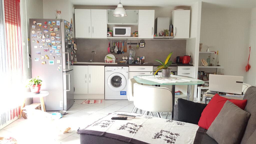 Appartement à louer 3 51.25m2 à Lunel vignette-2