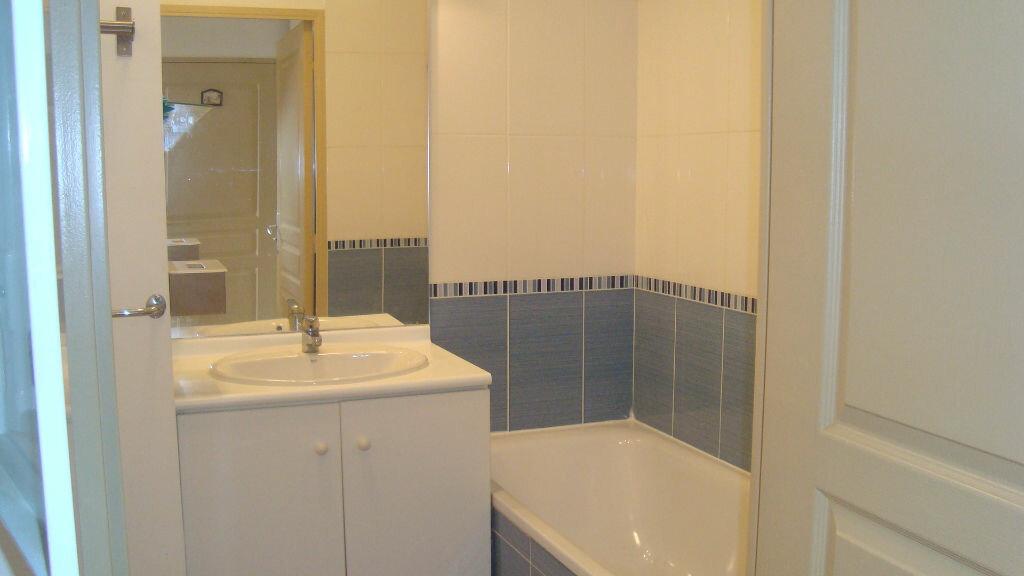 Appartement à louer 2 41m2 à Lunel vignette-4