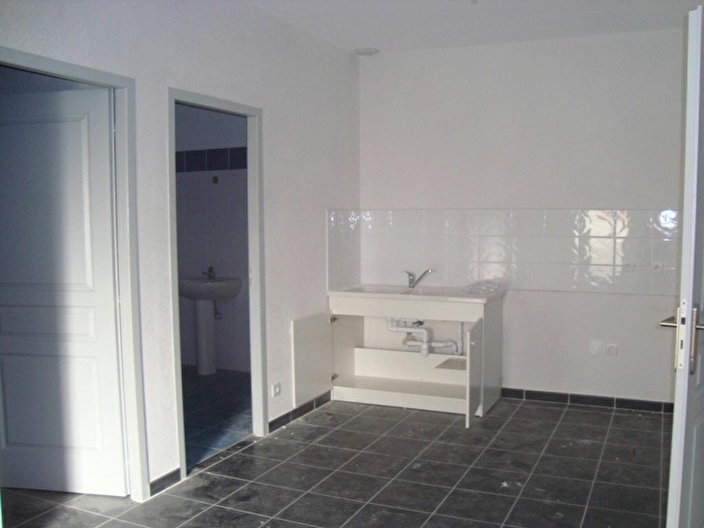 Appartement à louer 2 47m2 à Lunel vignette-1