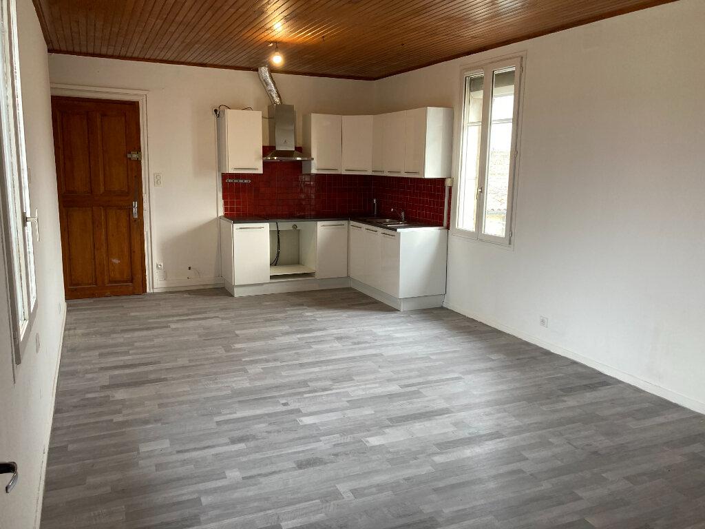 Appartement à louer 2 43.42m2 à Vauvert vignette-1