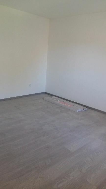 Maison à louer 3 74.3m2 à Garrigues vignette-5