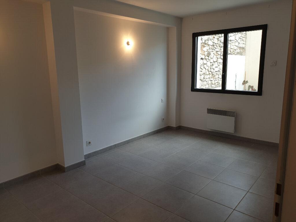 Appartement à louer 2 54.17m2 à Lunel vignette-3