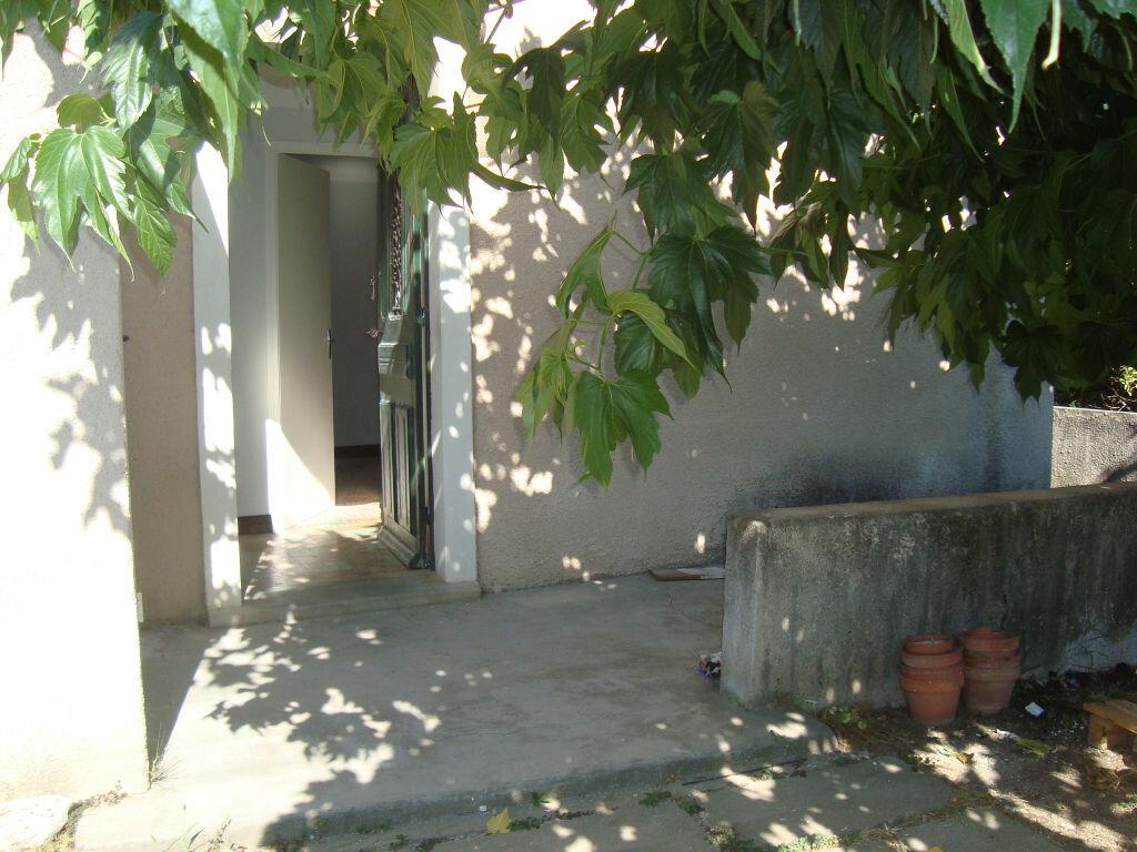 Maison à louer 3 56.34m2 à Lunel vignette-1