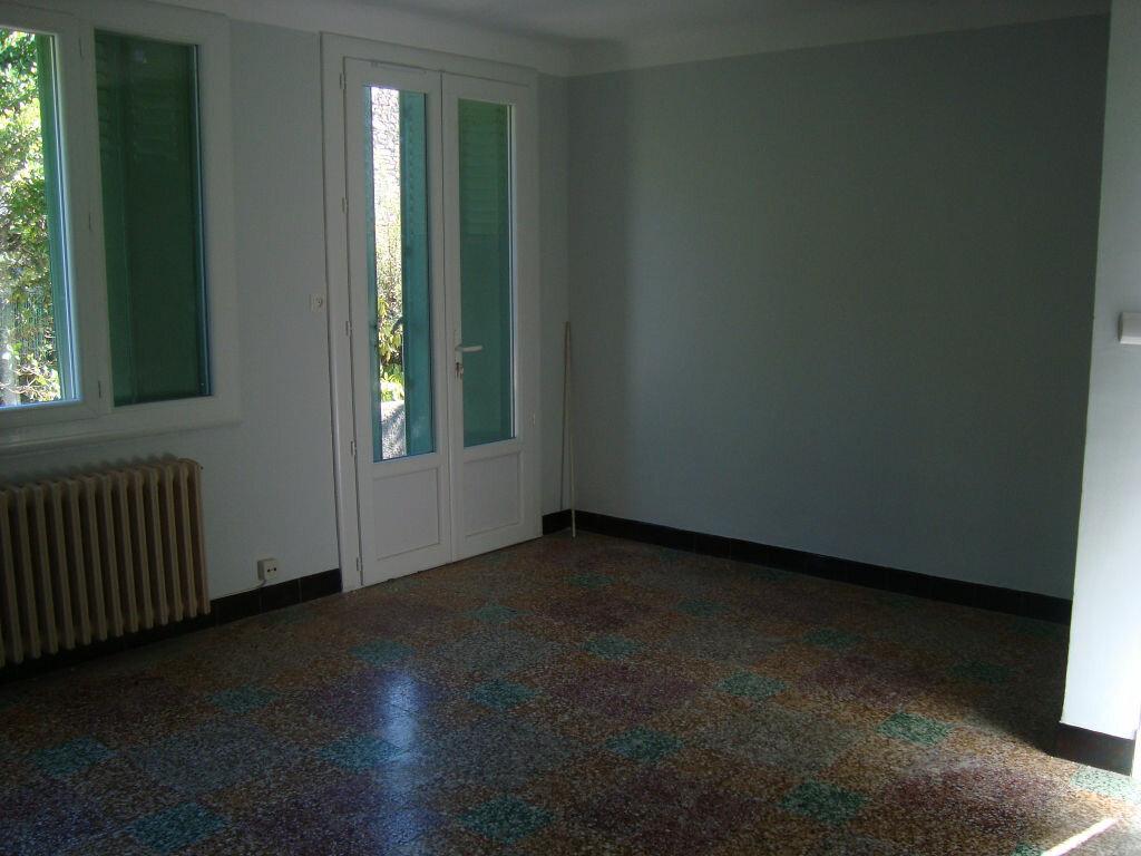 Maison à louer 3 56.34m2 à Lunel vignette-3