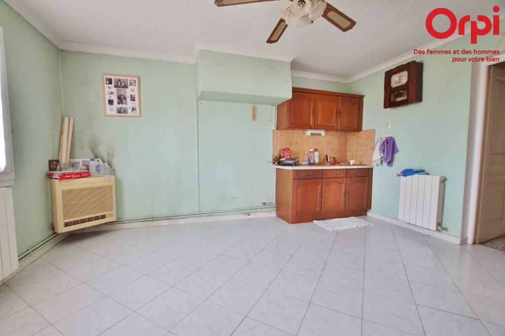 Maison à vendre 4 105.93m2 à Générac vignette-4
