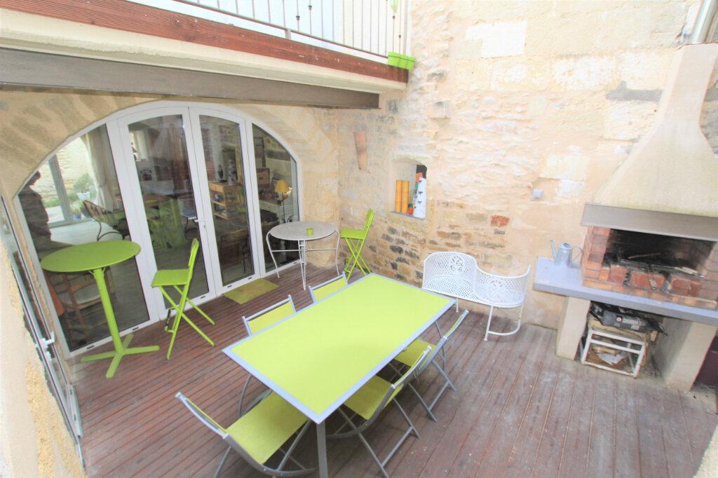 Maison à vendre 5 151.3m2 à Nages-et-Solorgues vignette-1