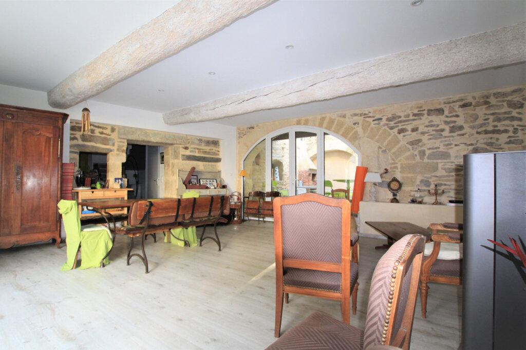 Maison à vendre 5 151.3m2 à Nages-et-Solorgues vignette-2