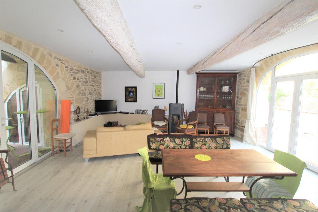Maison à vendre 5 151.3m2 à Nages-et-Solorgues vignette-4