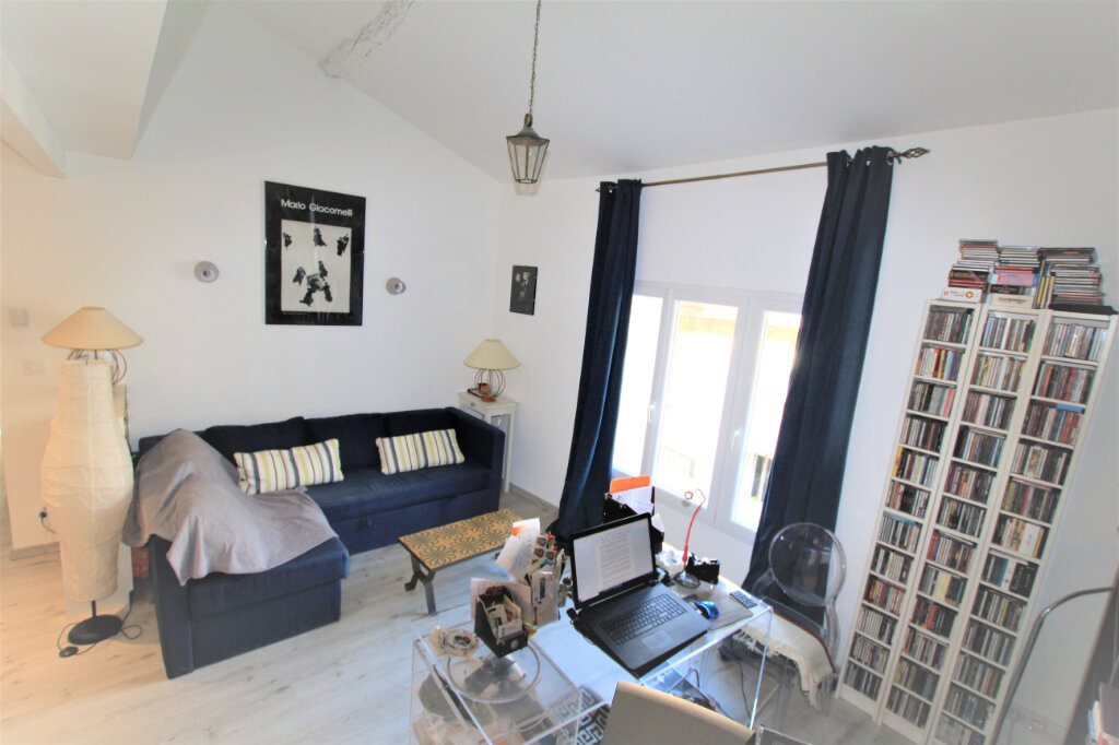 Maison à vendre 5 151.3m2 à Nages-et-Solorgues vignette-5