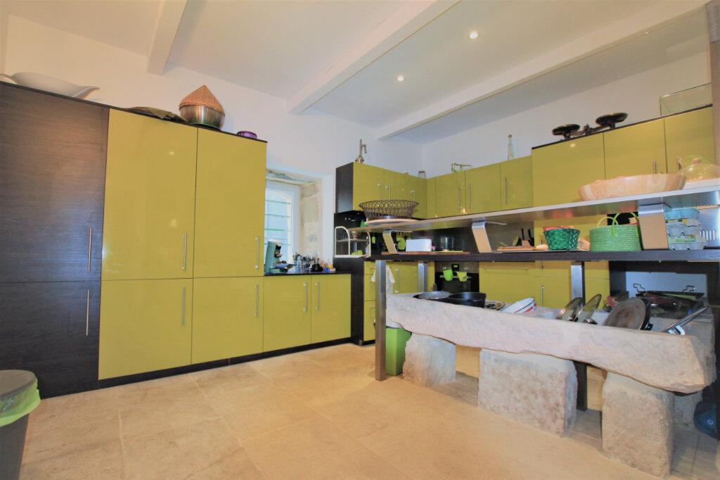 Maison à vendre 5 151.3m2 à Nages-et-Solorgues vignette-8