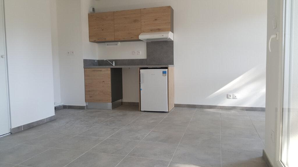 Appartement à louer 1 29.9m2 à Vendargues vignette-1